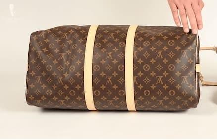 Parce qu'il n'y a pas de protection sous le sac, il n'est pas destiné à être posé sur le sol